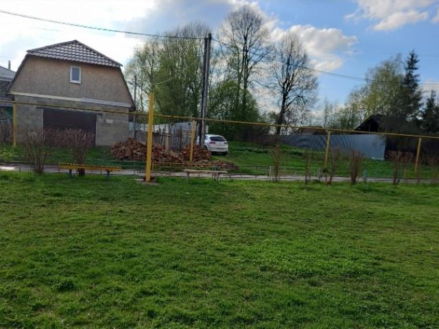 Обустройство детской игровой площадки в деревне Юрьево, Ленинский район, городской округ